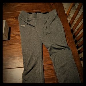 Under armour yoga pants small